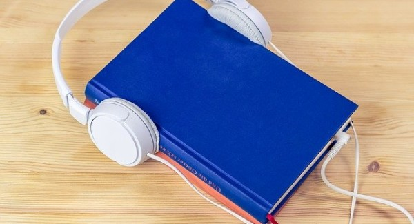 audiobook-3106986_640